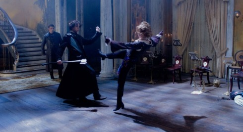 Benjamin Walker as Abe Lincoln fights with Erin Wasson (Vadoma)