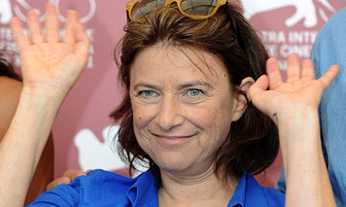 epa02896136 Belgian director Chantal Akerman poses at a photocall for her movie 'La Folie Almayer' during the 68th Venice International Film Festival, in Venice, Italy, 03 September 2011. The movie is presented out of competition at the festival that runs from 31 August to 10 September. EPA/CLAUDIO ONORATI