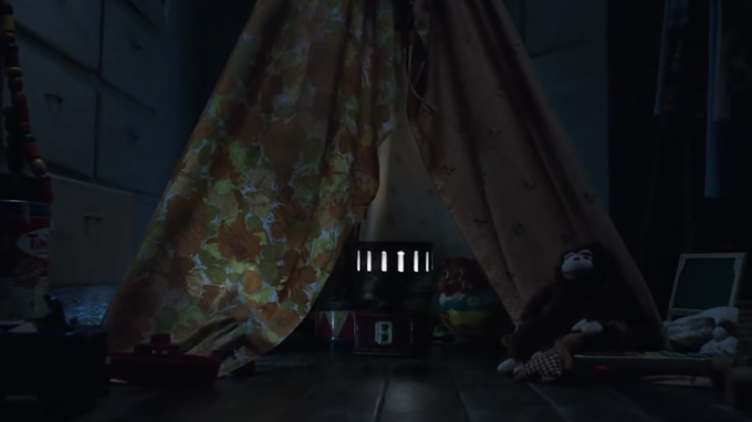 tent-in-the-conjuring-2